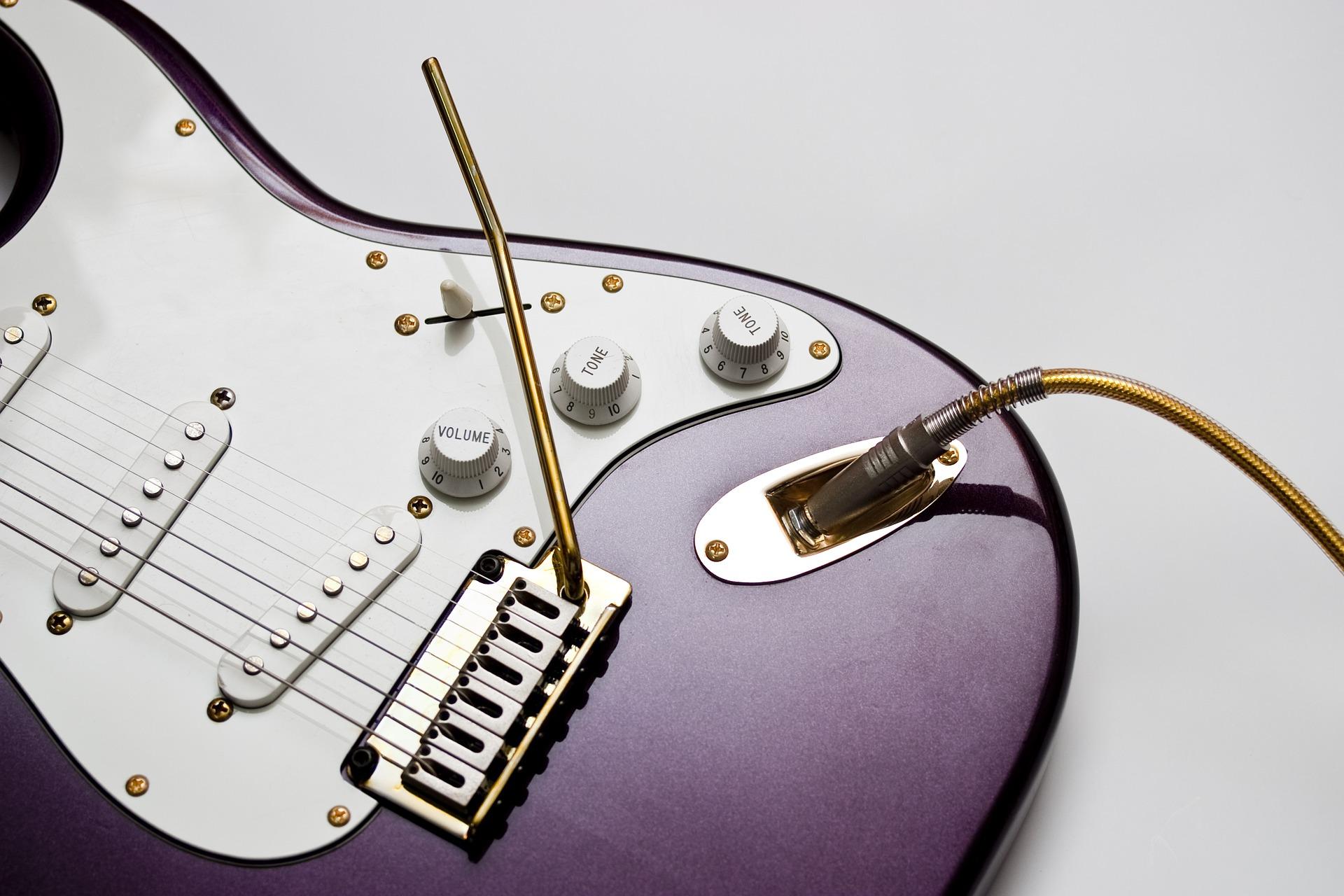 エレキ ギター 初心者 練習